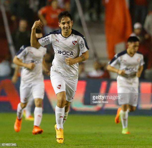 Martin Benitez of Independiente celebrates after scoring the first goal of his team during a match between Independiente and Estudiantes as part of...
