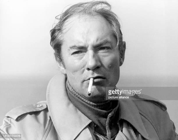 """Martin Benrath im Oktober 1976 bei Dreharbeiten zum TV-Film """"Der Abstand"""" . Der Schauspieler und Regisseur ist am 31. Januar im Alter von 73 Jahren..."""