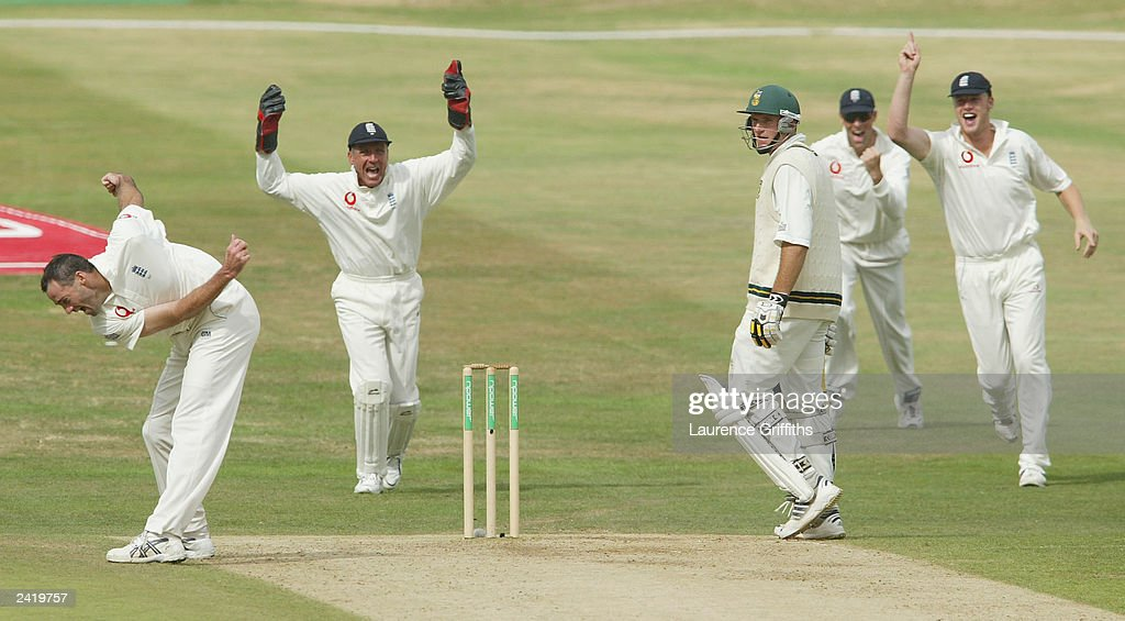 Bicknell of England takes wicket of Smith of SA : News Photo