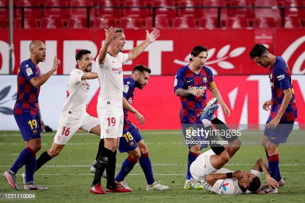 Martin Braithwaite of FC Barcelona, Jesus Navas of Sevilla, Luuk de Jong of Sevilla, Jordi Alba of FC Barcelona, Lionel Messi of FC Barcelona,...