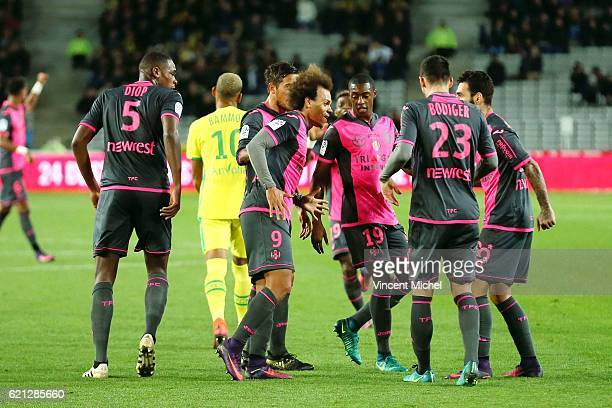 Martin Braithwaite of Toulouse celebrates with teammates after scoring the first goal during the Ligue 1 match between Fc Nantes and Toulouse Fc at...