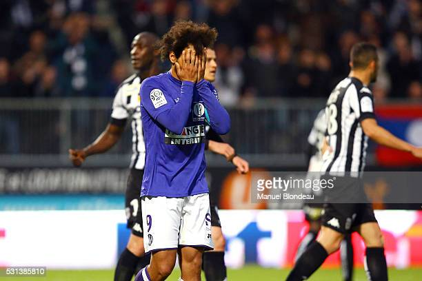 Martin Braithwaite of Toulouse reacts as he fails to score a penalty kick during the football french Ligue 1 match between Angers SCO and Toulouse FC...