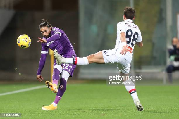 Martin Caceres of ACF Fiorentina kicks the ball during the Serie A match between ACF Fiorentina and Genoa CFC at Stadio Artemio Franchi on December...