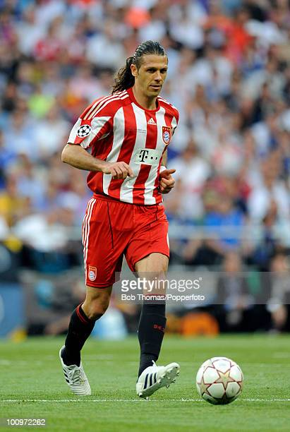 Martin Demichelis of Bayern Munich during the UEFA Champions League Final match between Bayern Munich and Inter Milan at the Estadio Santiago...