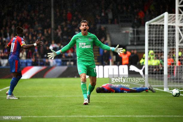 Martin Dubravka of Newcastle United reacts during the Premier League match between Crystal Palace and Newcastle United at Selhurst Park on September...