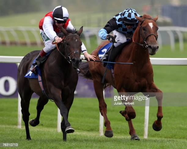 Martin Dwyer and Marchpane get the better of the Francis norton ridden Copperwood to land Division One of The Designer Way Vacation Club Median...