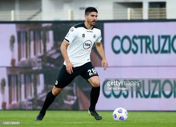 Martin Erlic of AC Spezia controls the ball during the Serie A match between Spezia Calcio and FC Crotone at Stadio Alberto Picco on April 10, 2021...