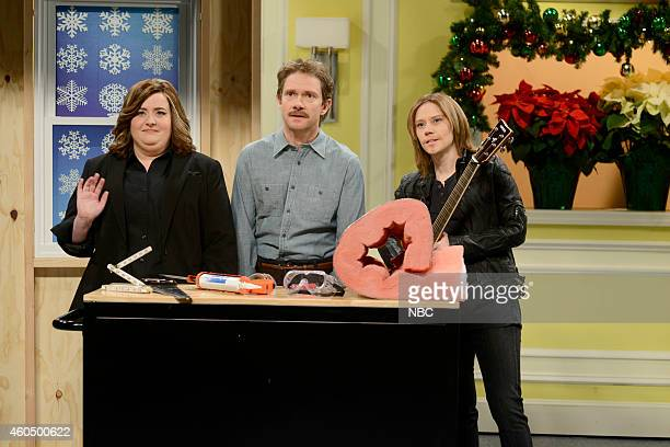 LIVE Martin Freeman Episode 1671 Pictured Aidy Bryant as Emily Martin Freeman as Louis the handyman and Kate McKinnon as Keith Urban during the Right...
