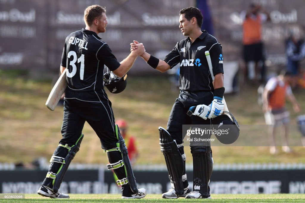 Martin Guptill and Ross Taylor of New Zealand (L-R) shake hands after their win in the second match in the One Day International series between New Zealand and Pakistan at Saxton Field on January 9, 2018 in Nelson, New Zealand.