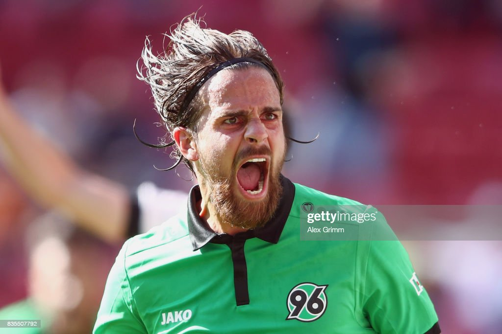 Martin Harnik of Hannover celebrates his team's first goal during the Bundesliga match between 1. FSV Mainz 05 and Hannover 96 at Opel Arena on August 19, 2017 in Mainz, Germany.