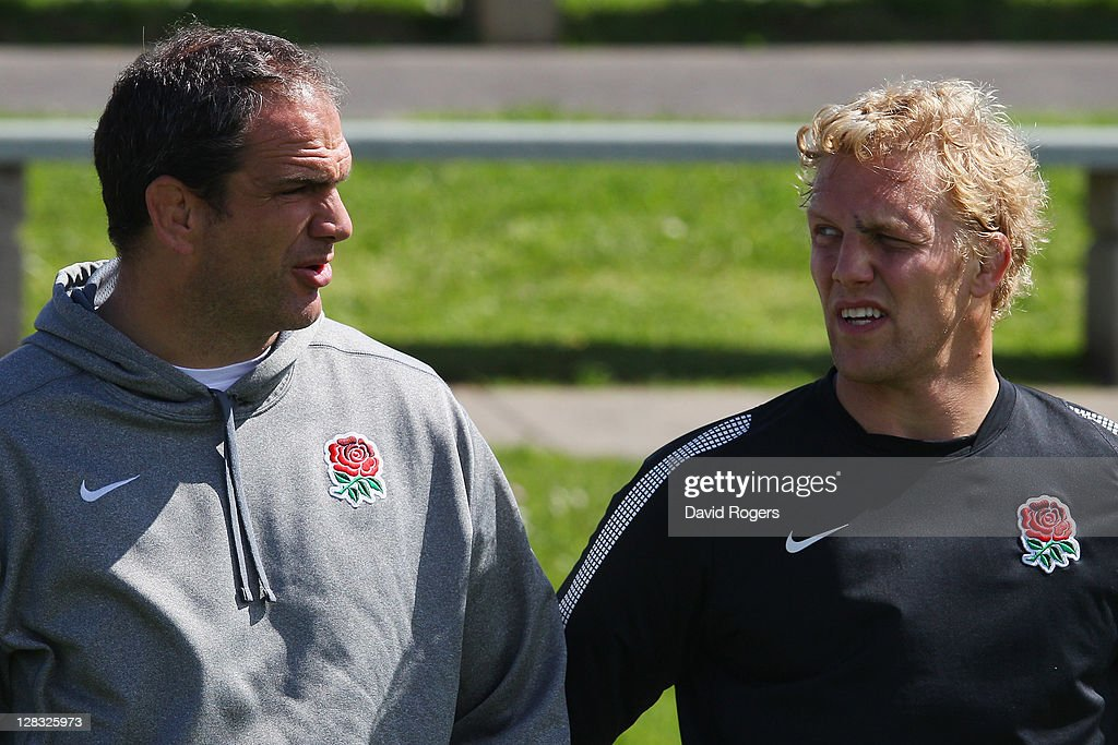 Martin Johnson, manager of England talks to Captain Lewis Moody of England during an England IRB Rugby World Cup 2011 Captain's Run at Onewa Domain on October 7, 2011 in Takapuna, New Zealand.