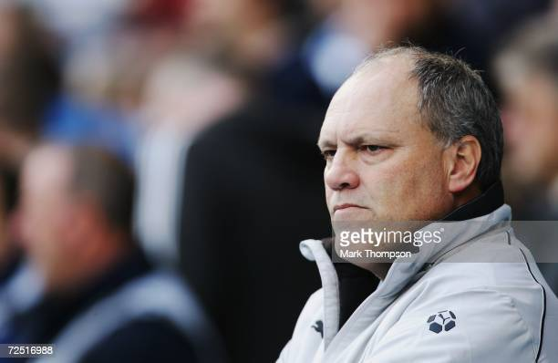 Martin Jol the Tottenham Hotspur manager watches from the touchline during the Barclays Premiership match between Reading and Tottenham Hotspur at...
