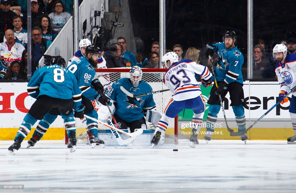 Edmonton Oilers v San Jose Sharks - Game Six : News Photo