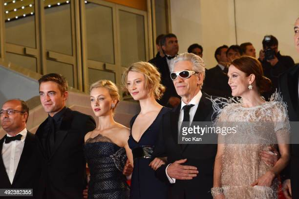 Martin Katz Robert Pattinson Sarah Gadon Mia Wasikowska David Cronenberg Julianne Moore and John Cusack attend the'Maps To The Stars' premiere during...