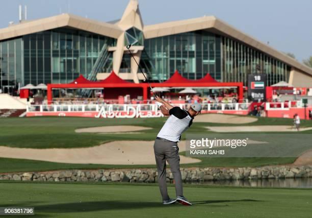 Martin Kaymer of Germany plays during round one of the Abu Dhabi HSBC Golf Championship at Abu Dhabi Golf Club on January 18 2018 / AFP PHOTO / KARIM...
