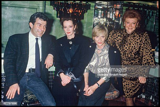 Martin Lamotte Dominique Lavanant Francoise Sagan and singer Régine at Regine's to celebrate Excès Contraire 100th Performance 1987