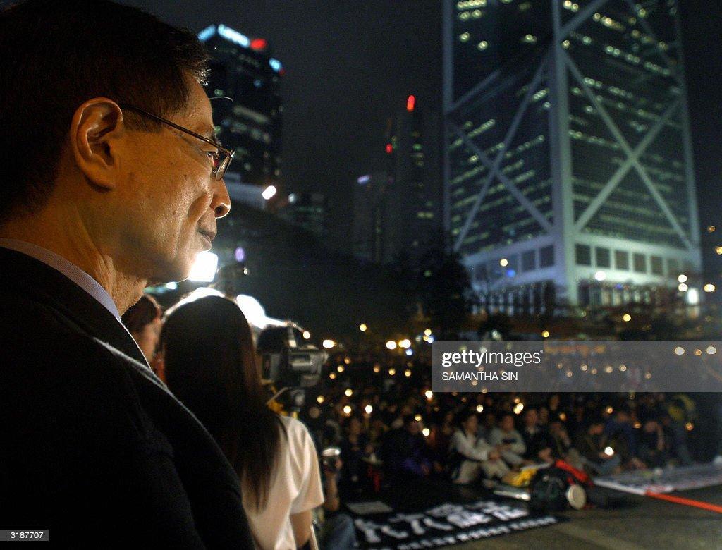 Martin Lee (L), former chairman of Democ : Foto jornalística