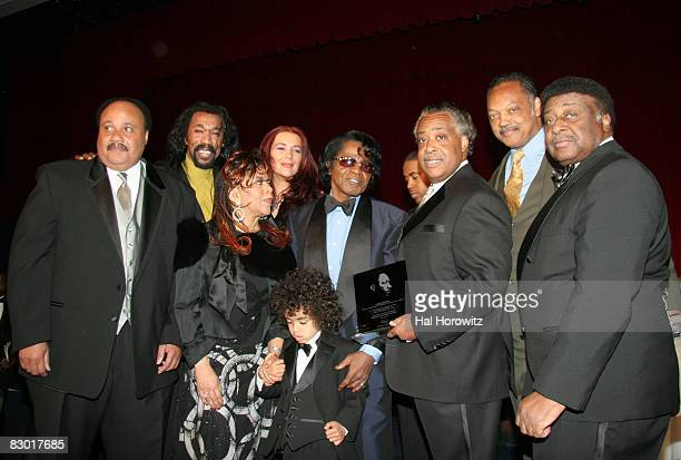 Martin Luther King III Nick Ashford Valerie Simspson Mrs James Brown James Brown and son Al Sharpton Jesse Jackson and James Brown's brother