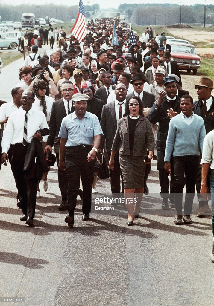 Martin Luther King Leading a March : News Photo
