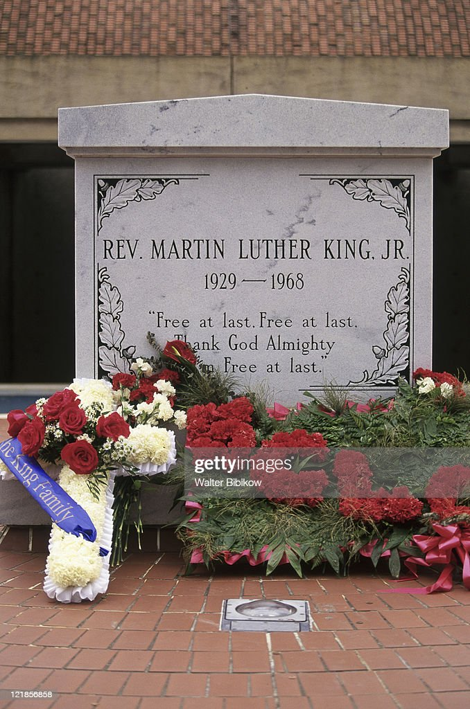 Martin Luther King Jr Gravesite Sweet Auburn Stock Photo Getty Images