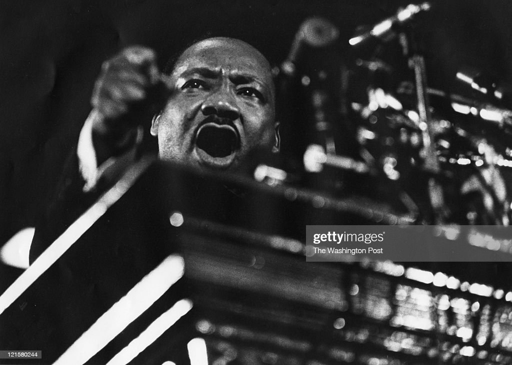 Martin Luther King at Vermont Avenue Baptist Church : News Photo