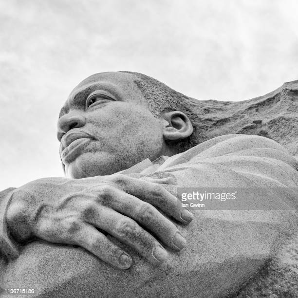 martin luther king statue at martin luther king memorial - ian gwinn bildbanksfoton och bilder