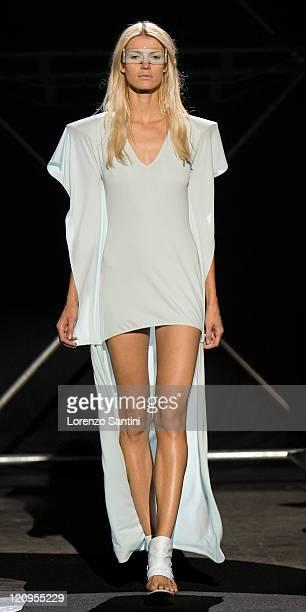 Martin Margiela Model presents Spring/Summer 08 Collection