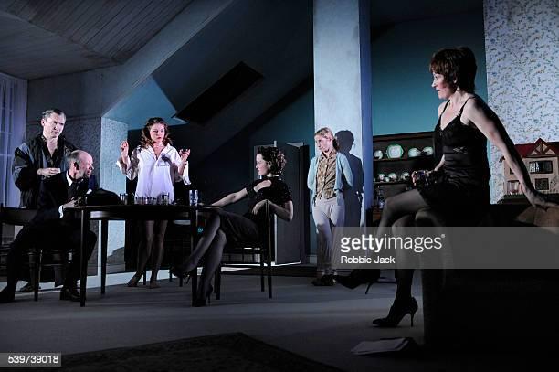 Martin McDougall as AndyNathan Osgood as JasperHolly Goss as June Scarlett Johnson as Mindy Jane Horrocks as Lemon and Lorraine Ashbourne as Aunt Dan...