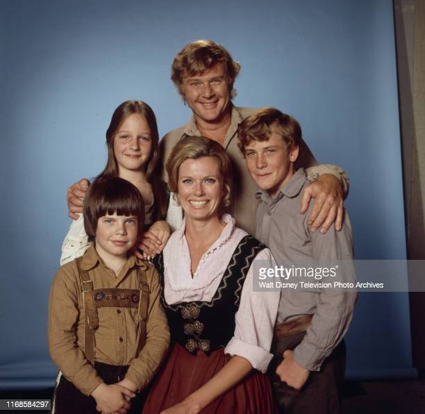 Martin Milner Helen Hunt Pat Delany Willie Aames Eric Olson promotional photo for the ABC tv series 'Swiss Family Robinson'