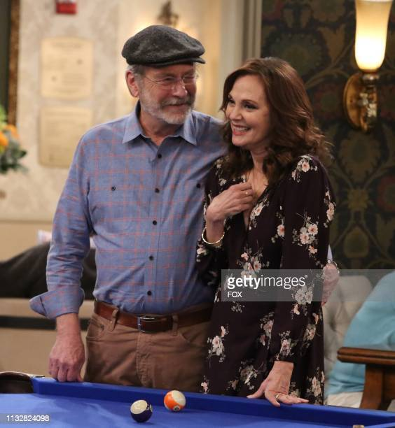 Martin Mull and guest star Lesley Ann Warren in the Sid's First Relationship episode of THE COOL KIDS airing Friday Feb 22 on FOX