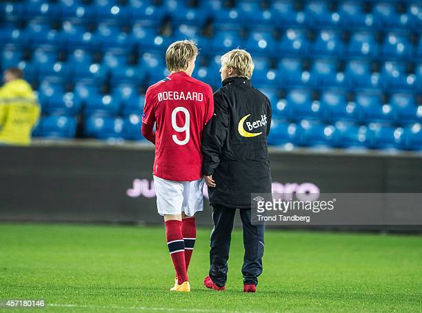 Martin Odegaard and Mats Daehli of Norway during the UEFA EURO 2016 qualifier match between Norway and Bulgaria at Ullevaal Stadion on October 13...