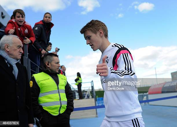 Martin Odegaard of Real Madrid Castilla gives the thumbs up before the Segunda Division B match between Real Madrid Castilla v Barakaldo CF at...