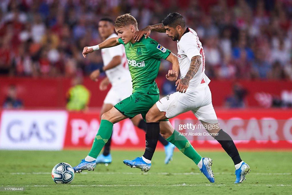 Sevilla FC v Real Sociedad  - La Liga : Fotografía de noticias