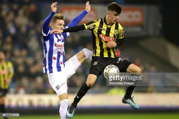 Martin Odegaard of SC Heerenveen Mason Mount of Vitesse during the Dutch Eredivisie match between Vitesse v SC Heerenveen at the GelreDome on January...