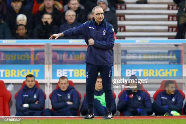 Martin O'Neill manager of Nottingham Forest looks on from the touchline during the the Sky Bet Championship match between Nottingham Forest and...