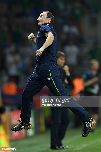 Martin O'Neill manager of Republic of Ireland celebrates his team's first goal during the UEFA EURO 2016 Group E match between Italy and Republic of...