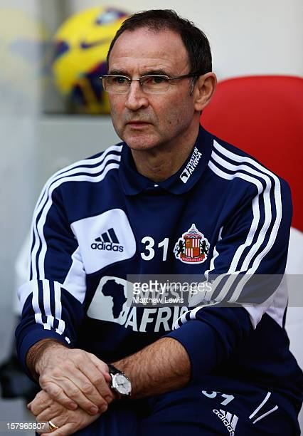 Martin O'Neill manager of Sunderland looks on during the Barclays Premier League match between Sunderland and Chelsea at Stadium of Light on December...