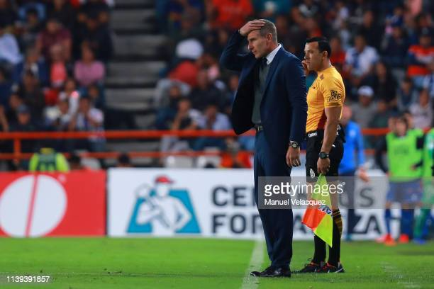 Martin Palermo coach of Pachuca gestures during the 12th round match between Pachuca and Toluca as part of the Torneo Clausura 2019 Liga MX at...