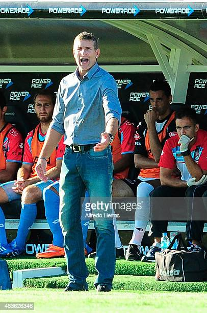 Martin Palermo head coach of Arsenal shouts instructions to his players during a match between Arsenal and Estudiantes as part of first round of...
