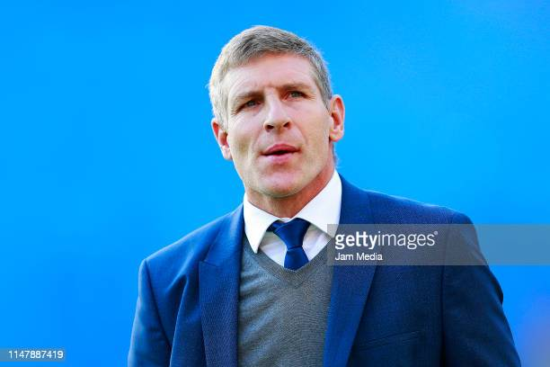 Martin Palermo head Coach of Pachuca looks on during the quarterfinals first leg match between Pachuca and Tigres UANL as part of the Torneo Clausura...