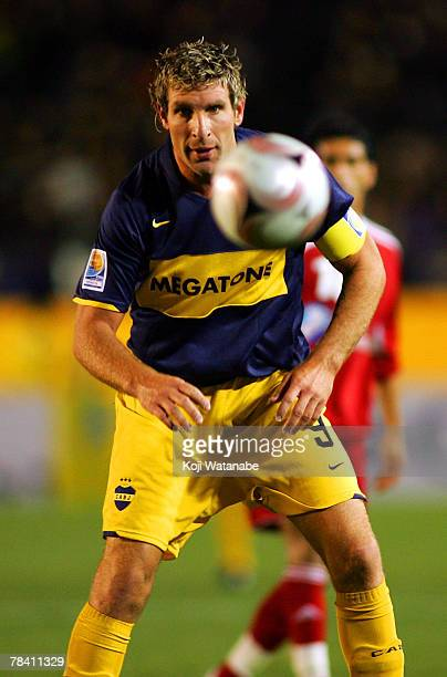 Martin Palermo of Boca Juniors tries to trap the ball during the FIFA Club World Cup semi final match between Boca Juniors and Etoile Sportive du...