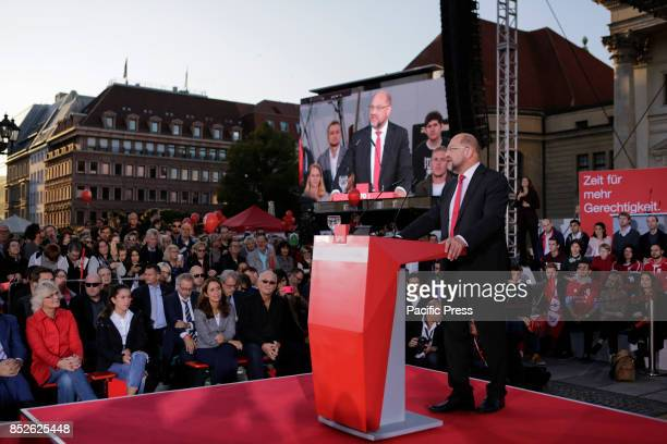 GENDARMENMARKT BERLIN GERMANY Martin Schulz addresses the rally The candidate for the German Chancellorship of the SPD was the main speaker at a...