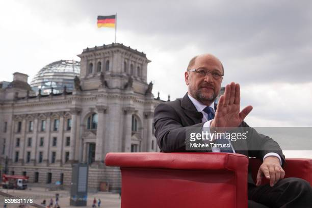 Martin Schulz chancellor candidate of the German Social Democrats arrives at the ARD television studio for an interview on August 27 2017 in Berlin...