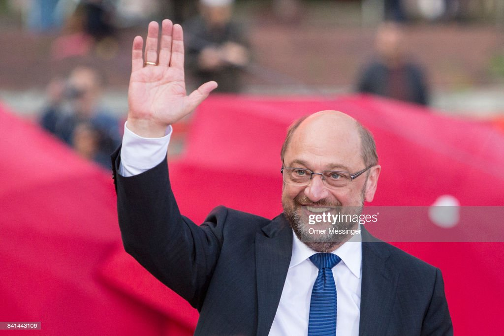 Martin Schulz Campaigns In Hamburg