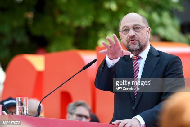 Martin Schulz leader of Germany's social democratic SPD party and candidate for Chancellor gives a speech during an electoral meeting on the eve of...