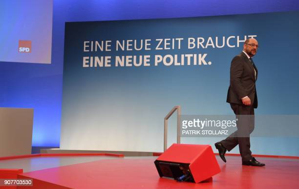 Martin Schulz leader of Germany's social democratic SPD party inspects the venue of a party congress on January 20 2018 in Bonn western Germany The...
