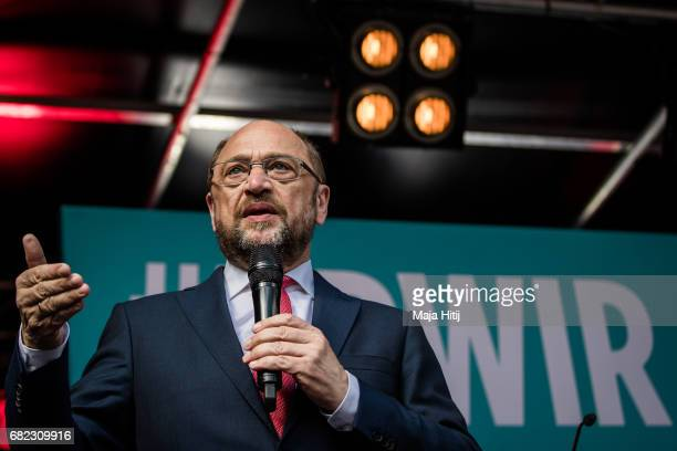 Martin Schulz leader of the German Social Democrats speaks at the final SPD campaign rally in state elections in North RhineWestphalia on May 12 2017...