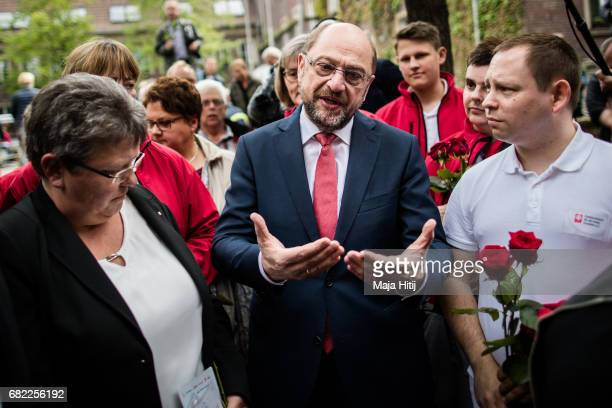 Martin Schulz leader of the German Social Democrats talks to his supporters during his SPD campaign prior state elections in North RhineWestphalia on...