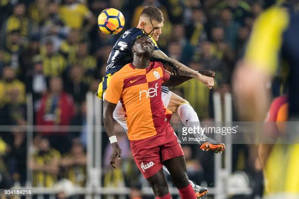Martin Skrtel of Fenerbahce SK Bafetimbi Gomis of Galatasaray SK during the Turkish Spor Toto Super Lig match Fenerbahce AS and Galatasaray AS at the...