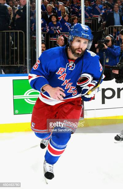 Martin St Louis of the New York Rangers takes a bow after his team defeated the Los Angeles Kings 21 in Game Four of the 2014 Stanley Cup Final at...